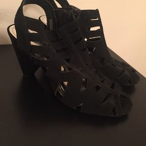 COACH AND FOUR Victor Black Cutout Heel | 8